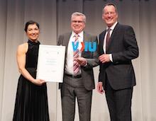 """Der 1. Platz des VKU-Innovationspreises in der Kategorie """"Kommunale Energiewirtschaft"""" geht an die RheinEnergie."""