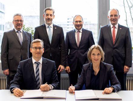 Vertragsunterzeichnung: MVV und die Stadtwerke Heidelberg gründen eine grüne Fernwärme-Gesellschaft.