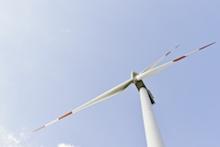 Zunächst wird BayWa r.e. gemeinsam mit PMF Alternative Energiesysteme in Thüringen drei Windparks realisieren.