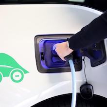Längst nicht alle Verteilnetze in Deutschland sind darauf ausgelegt, eine größere Zahl von Elektroautos gleichzeitig zu laden.