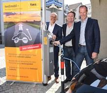 In der baden-württembergischen Stadt Ravensburg ist die erste Ladestation an einer Straßenlaterne in Betrieb gegangen.
