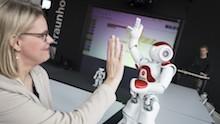 NRW: Landesregierung stellt dem Landtag die nach umfangreicher Öffentlichkeitsbeteiligung entwickelte Digitalstrategie vor.