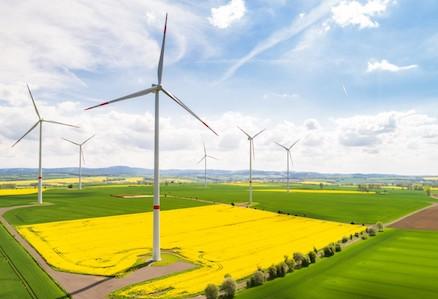 Die Leipziger Stadtwerke entwickeln künftig erneuerbare Energien-Projekte selbst und in Kooperation mit den Unternehmen Green City und Enertrag.