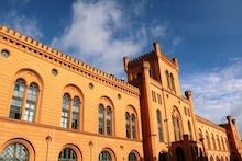 Im Lenkungsausschuss Kooperatives E-Government arbeitet die Landesregierung Mecklenburg-Vorpommerns mit Vertretern der Kommunen zusammen.