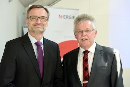 Josef Hasler, Vorstandsvorsitzender der N‑ERGIE Aktiengesellschaft, (l.) stellte zusammen mit Arbeitsdirektor Karl-Heinz Pöverlein die Bilanz 2018 vor.