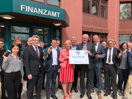 Das HessenWLAN kommt nicht nur in die Finanzämter, sondern in fast alle 800 Standorte der Landesverwaltung Hessen.
