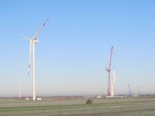 In Nordfriesland gelegen, zwischen Stollenberg und Schwemmland, nutzen die rund 2.000 Bürger der Gemeinde Bordelum gemeinsam die Kraft des Windes.