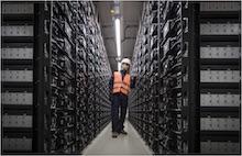 Der Batteriespeicher der Versorgungsbetriebe Bordesholm besteht aus 48.000 Batterie-Racks.