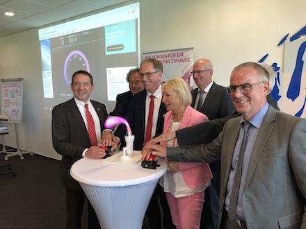 Startschuss für das schnelle Internet in der Adolf-Reichwein-Schule in Limburg.