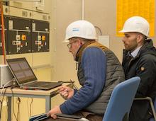 Schwerin: Schwarzstartversuch unter Einbezug einer EE-Anlage und von simulierten Verbrauchern verlief erfolgreich.