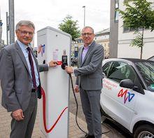 In Mannheim wurden die ersten 25 Ladepunkte für E-Fahrzeuge eingeweiht.