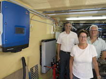 Der Versorger Badenova aus Freiburg im Breisgau testet derzeit mit privaten Energiepionieren die Vernetzung von Solarstromspeichern.