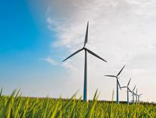 Der fehlenden Akzeptanz von Windenergieanlagen kann beispielsweise durch die wirtschaftliche Beteiligung von Kommunen entgegengetreten werden.