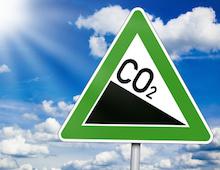 Um die Klimaschutzziele zu erreichen, fordern dena und Deutsche Umwelthilfe unter anderem eine effektive CO2-Bepreisung.