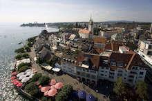Standortbezogen und tagesaktuell will die Stadt Friedrichshafen künftig die Besucher städtischer Einrichtungen informieren.