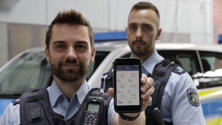 Die Polizei NRW erhält 20.000 Smartphones.
