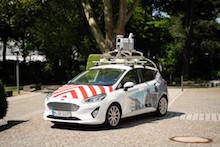 Mit speziell ausgerüsteten Fahrzeugen erstellt die Firma CycloMedia Straßenpanoramabilder von Braunschweig.