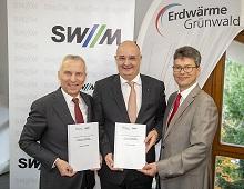 Helge-Uve Braun Technischer Geschäftsführer SWM, Andreas Lederle und Stefan Rothörl, Geschäftsführer EWG (v.l.).