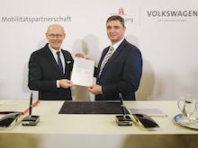 Memorandum of Understanding zur Verlängerung der strategischen Mobilitätspartnerschaft der Stadt Hamburg und des Volkswagen Konzerns unterzeichnet.