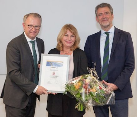 Freude über Bestnoten für das Hessische Competence Center für Neue Verwaltungssteuerung (HCC).