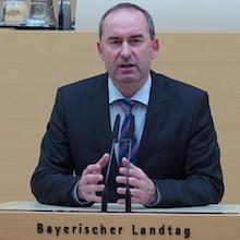 Regierungserklärung: Hubert Aiwanger hat im Landtag einen Aktionsplan zur Umsetzung der Energiewende im Freistaat vorgestellt.