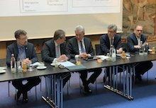"""Wirtschaftsminister Andreas Pinkwart sowie die Stadtspitzen von Aachen, Gelsenkirchen, Paderborn, Soest und Wuppertal ziehen positive Zwischenbilanz des Landesprogramms """"Digitale Modellkommunen NRW""""."""