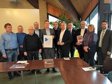 Übergabe des Axians Infoma Innovationspreises 2019 beim Gewinner Verbandsgemeinde Gerolstein.