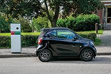 Elektromobilität benötigt eine bedarfsgerechte Lade-Infrastruktur und stellt hohe Anforderungen an Stromnetze.