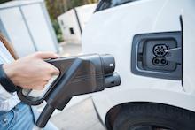 In Frankfurt können E-Autos bald an Schnellladesäulen mit Strom versorgt werden.