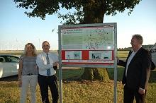 Masterplanmanagerin Sabine Schröder, Bürgermeister Heinz-Jürgen Weber und Bauamtsleiter sowie Energiemanager kommunal Frank Siedenberg. (v.l.n.r.)