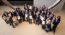 Gruppenbild der 29 Preisträger der Future Communities 2019 mit Digitalisierungsminister Thomas Strobl (erste Reihe, 3.v.r.).