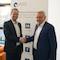 ab-data-Geschäftsführer Markus Bremkamp (l.) und HSH-Chef Stephan Hauber haben einen Partnerschaftsvertrag geschlossen.