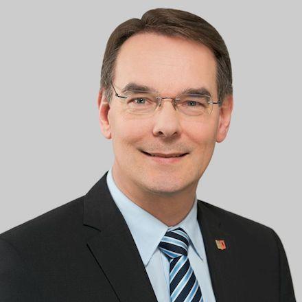 Ingbert Liebing, derzeit noch Staatsekretär und Bevollmächtigter des Landes Schleswig-Holstein beim Bund, soll neuer VKU-Hauptgeschäftsführer werden.