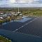 Hätte auch in Deutschland Potenzial: schwimmende PV-Kraftwerke auf Braunkohle-Tagebauseen.