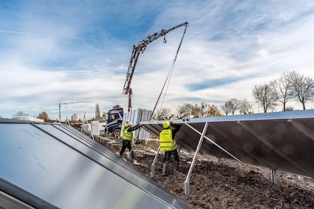 Baustelle der größten Solarthermieanlage Deutschlands in Ludwigsburg/Kornwestheim.