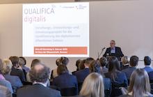 """Bremens Finanzstaatsrat Hans-Henning Lühr beim Kick-off-Workshop zum Projekt """"Qualifica Digitalis"""" des IT-Planungsrats."""