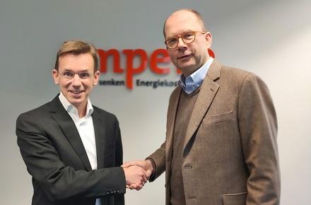 Arndt Rottenbacher (links), geschäftsführender Gesellschafter von Ampere, und SWK-Vorstandssprecher Carsten Liedtke.