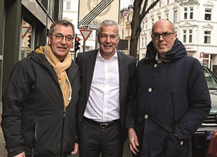 Bernd Schößler (SPD), Bezirksbürgermeister Nippes, Andreas Cerbe, Netzvorstand RheinEnergie, Thomas M. Hohenacker, Gründer und Geschäftsführer Cleverciti (v.l.n.r.).
