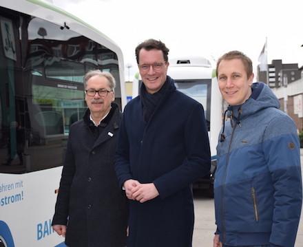 Fünf E-Busse fahren seit Aschermittwoch autonom durch die Innenstadt von Monheim am Rhein.