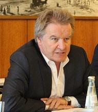 Will mehr Fernwärme, aber nicht überteuert: Baden-Württembergs Umweltminister Franz Untersteller.
