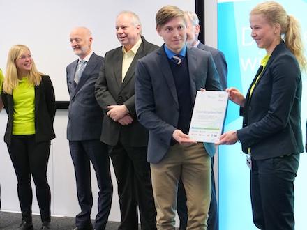 Im Rahmen der Veranstaltung in der EnBW City wurde auch ein Zuwendungsbescheid des Bundeswirtschaftsministeriums für Fördermittel in Höhe von 5,2 Millionen Euro überreicht.