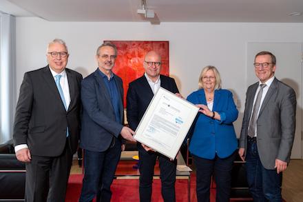 IT-Dienstleister der Stadt Münster, citeq, wird vom Bundesamt für Sicherheit in der Informationstechnik (BSI) erstmals für seinen IT-Grundschutz zertifiziert.