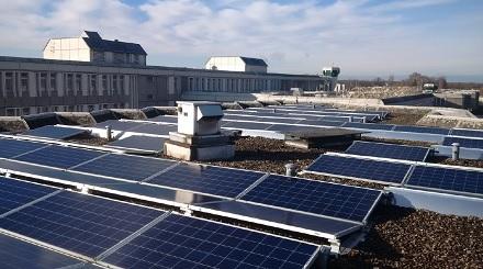 Die Solaranlage auf dem Gefängnis in Plötzensee.