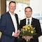 VKU Präsident Michael Ebling (l.) gratuliert dem neuen VKU-Hauptgeschäftsführer, Ingbert Liebing.