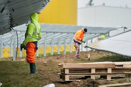 evm baut die Ökostromerzeugung beispielsweise an der Bio-Erdgasanlage in Boppard-Hellerwald aus, wo sie vor Kurzem eine zusätzliche Solaranlage installiert hat.