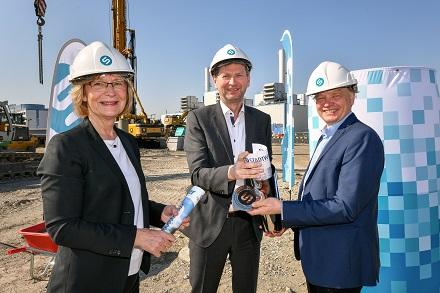 Der neue Rostocker Wärmespeicher kann 45 Millionen Liter Warmwasser fassen.