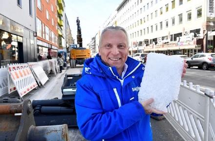 Helge-Uve Braun, Technischer Geschäftsführer der SWM, an der Fernkältebaustelle Schwanthalerstraße, wo der Anschluss an den Fernkältestandort in Sendling entsteht.