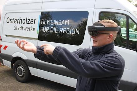 Pilotprojekt: Osterholzer Stadtwerke setzen Mixed-Reality-Brille zur Fernunterstützung von Schalthandlungen ein.