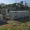 LEW Wasserkraft hat auf dem Gelände des Laufwasserkraftwerks in Rain am Lech einen Hochleistungs-Batteriespeicher mit einer Kapazität von mehr als 1.600 Kilowattstunden installiert.