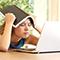 Laut Bitkom-Umfrage halten 77 Prozent der Schüler die Auswahl an digitalen Lernangeboten seitens der Schulen für zu gering.